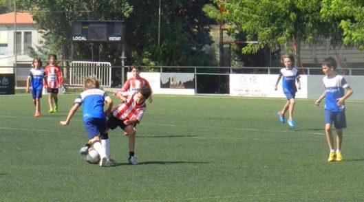 Colònies d'estiu Campus de futbol i aventura a Sant Quirze Safaja